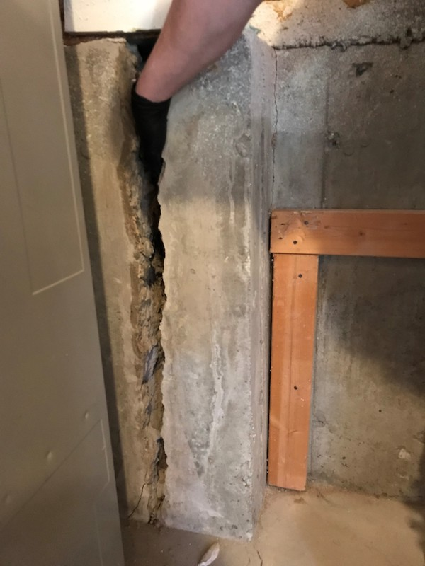 Huge-concrete-wall-crack-pins-Before