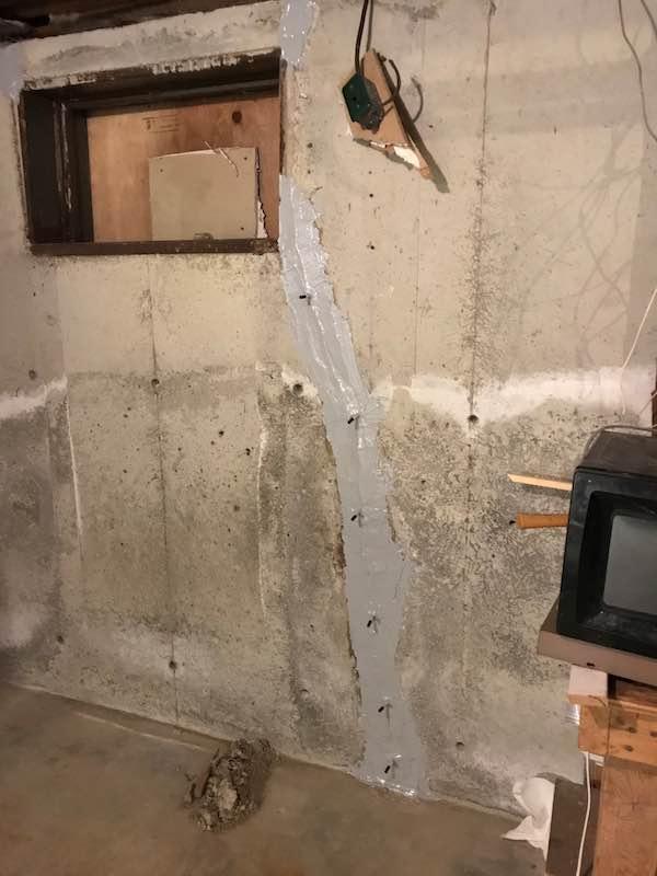 corner-window-wall-crack-repaired